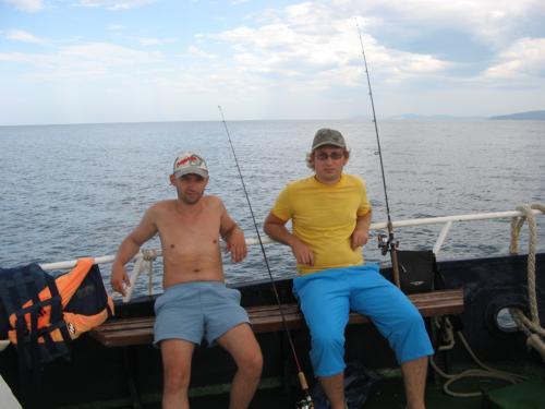 За рыбалку в открытом море Вы отдадите около 1000 руб.